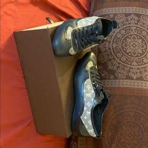 Authentic Louis Vuitton Pulse Sneakers w/box
